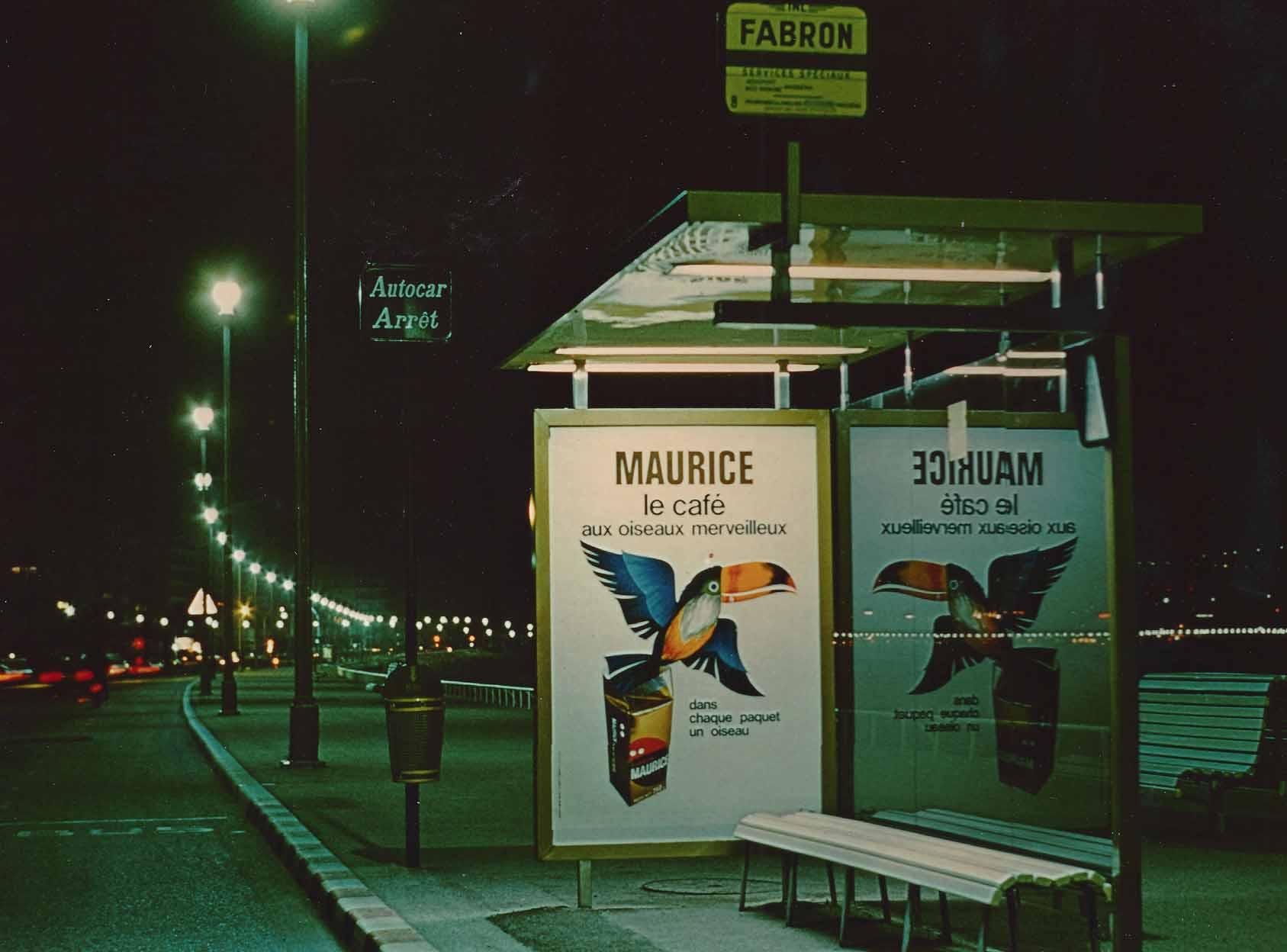 publicité abri bus des cafés Maurice